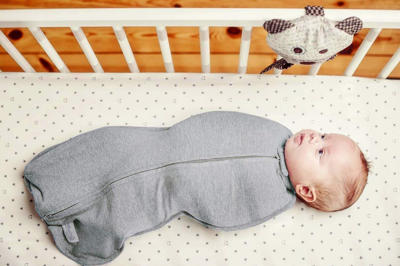 Woombie Original Baby Cocoon Swaddle-Newborn 0-3 Months-Cars//Trucks
