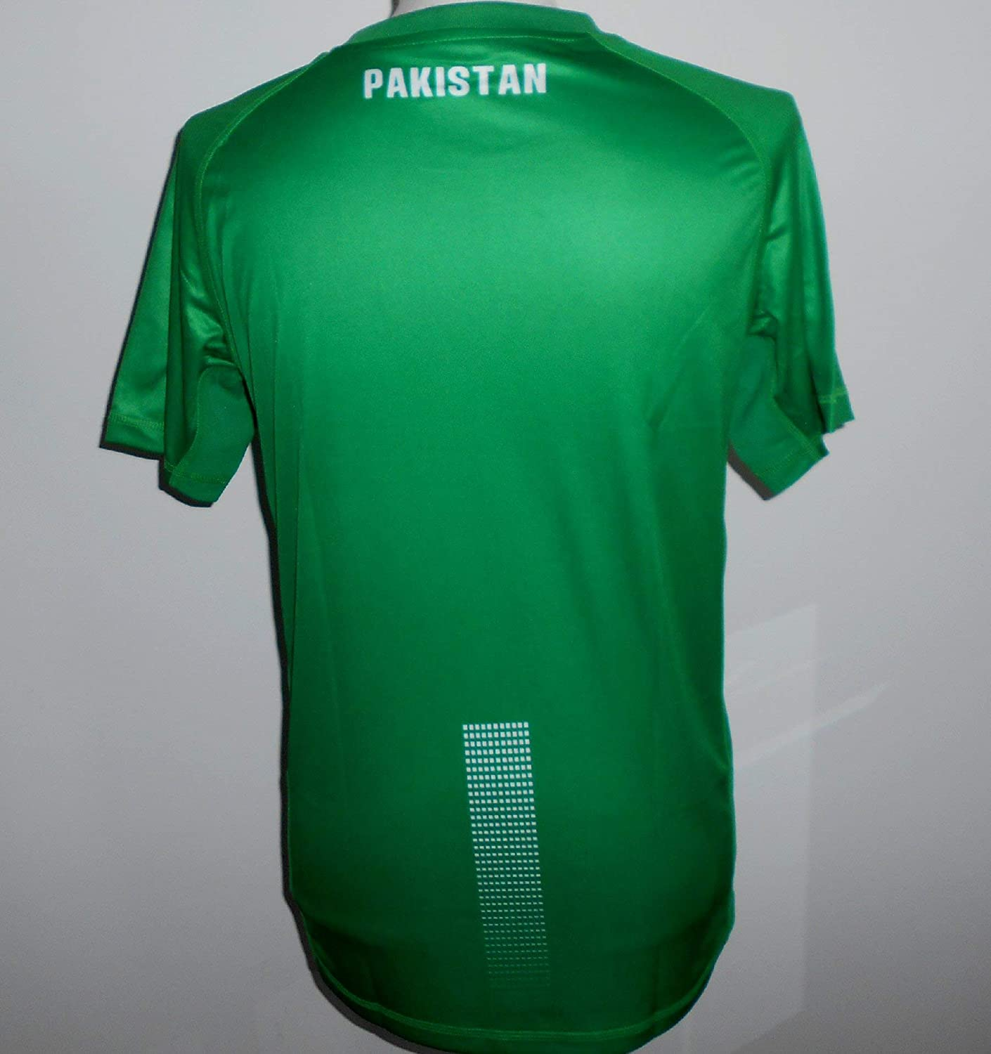 dbb3b2452a4 JOSHILA Pakistan Official Men's Home Football Shirt 2018-2019: Amazon.co.uk:  Sports & Outdoors