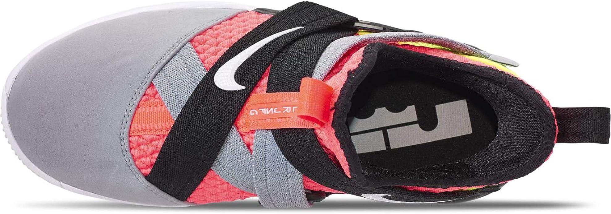 Nike Grade School Lebron Soldier XII Chaussures de Basketball pour Enfant