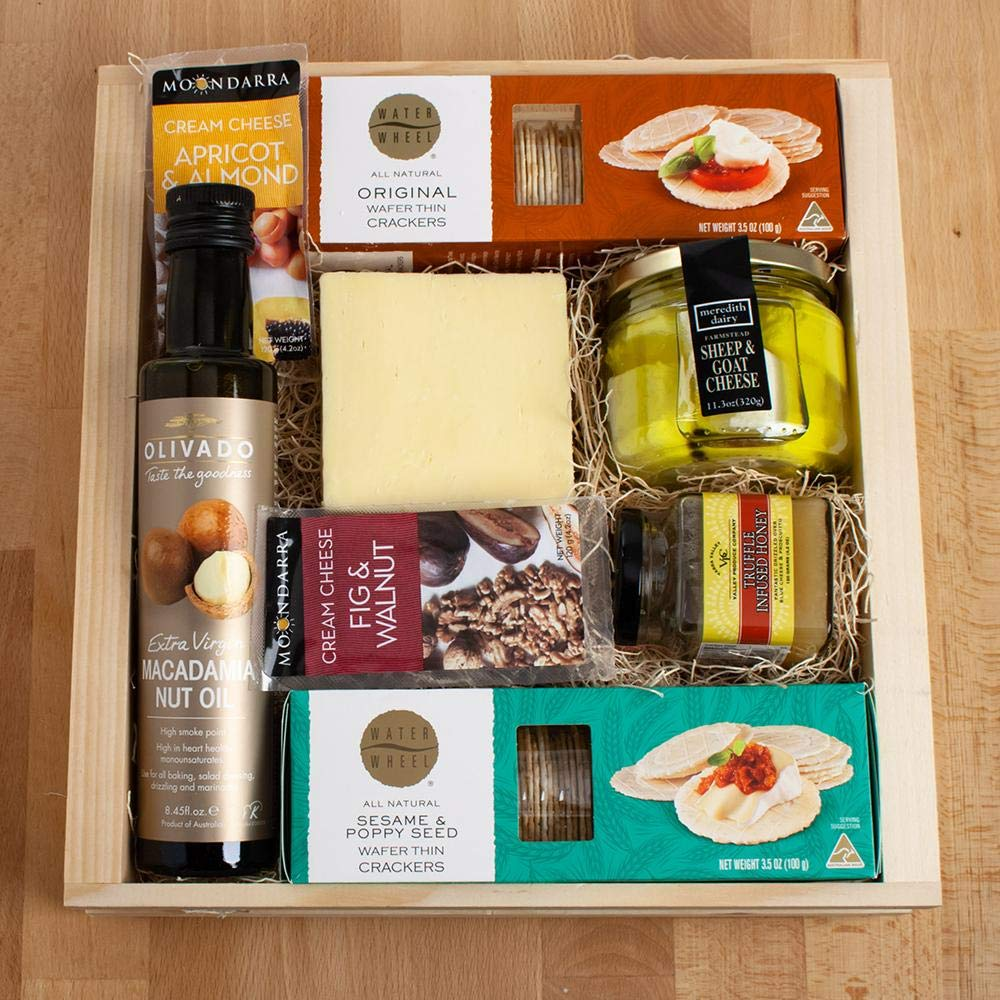 igourmet Australian Classic Gourmet Gift Basket - Collection For a Lover Of Australia's Cuisine - Cheese, Honey, Macadamia Nut Oil, and Australian Water Wheels