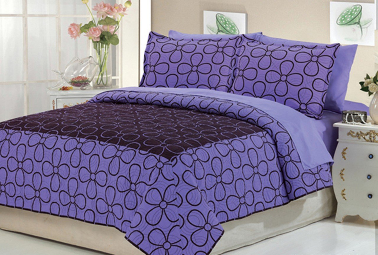 Bedspread with Matching Sheet Set, QUEEN