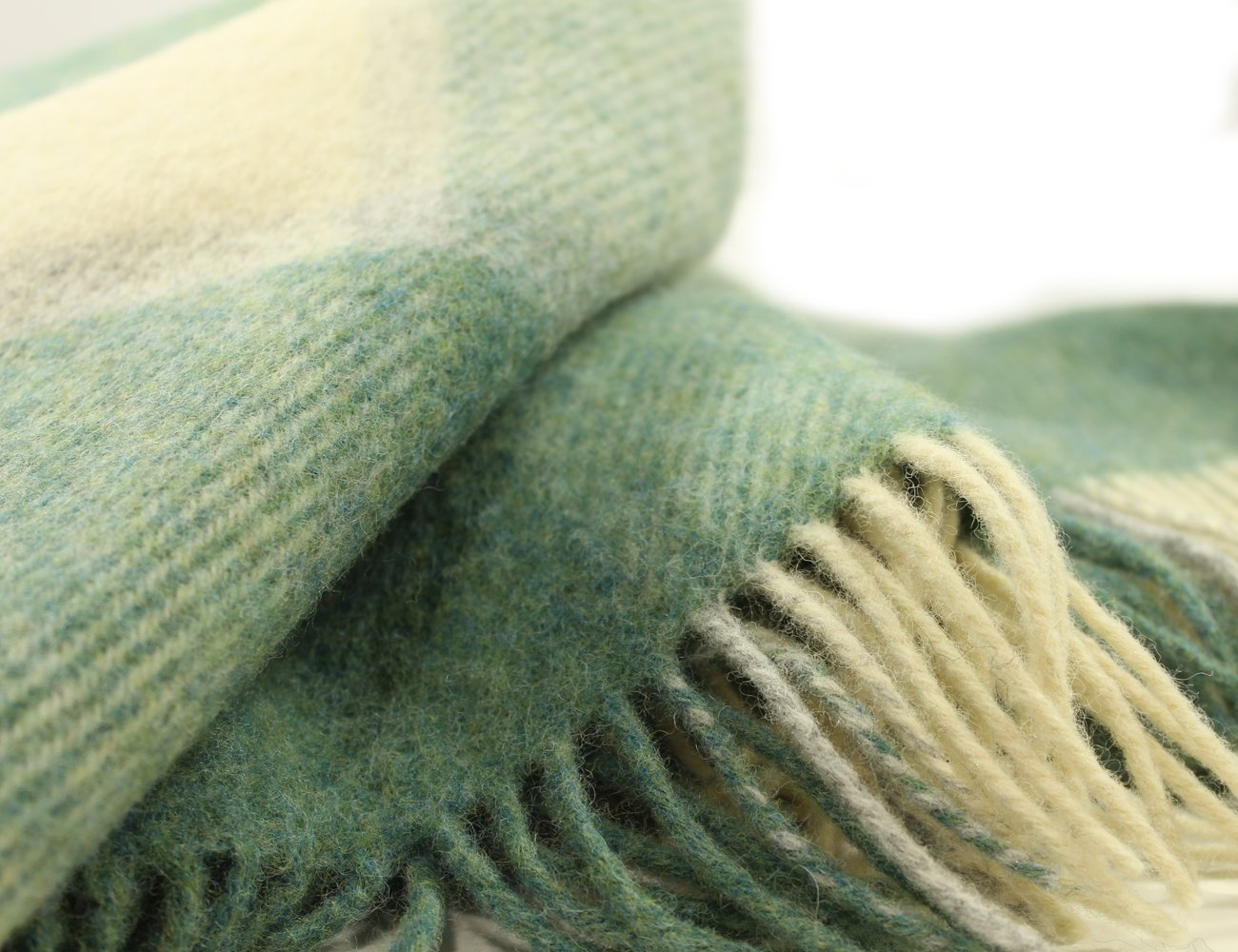 "John Hanly /& Co Irish Wool Blanket Knee Throw Purple /& Black Plaid Small 54/"" Long x 45/"" Wide Fringed Warm Lambswool Made in Ireland"