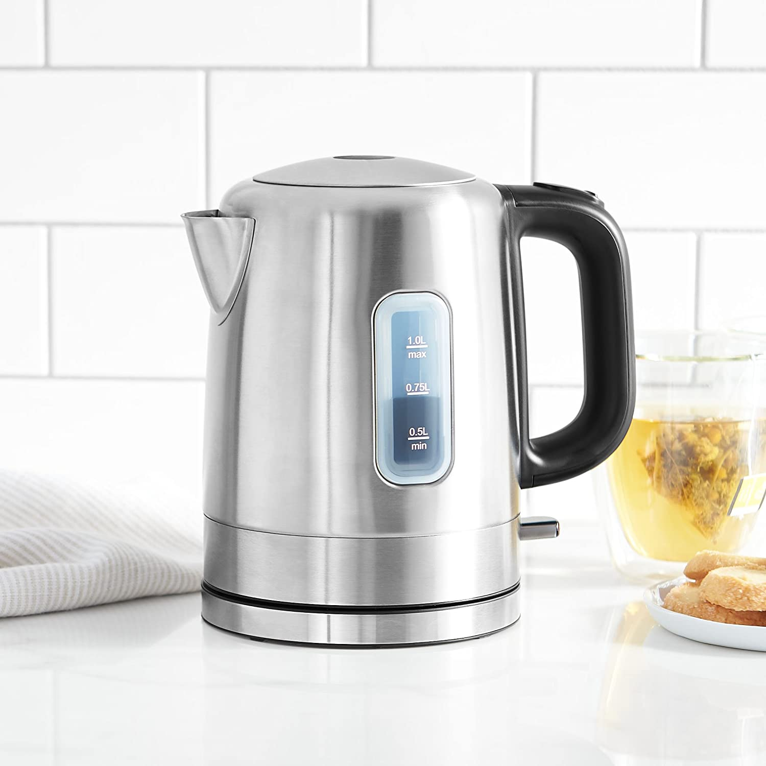 Amazonbasics Stainless Steel Electric Kettle Review
