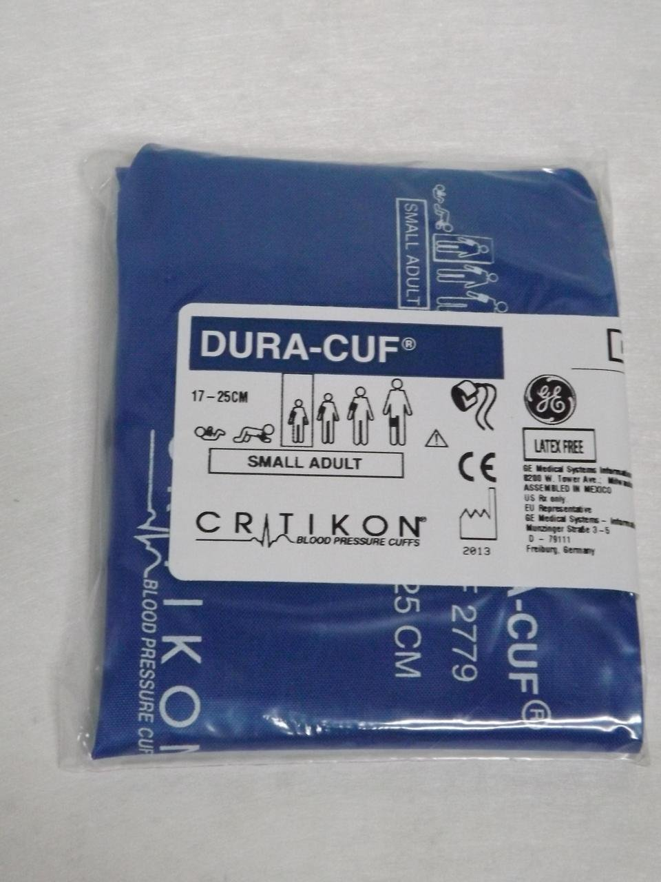 GE Healthcare 2779 Critikon Dura-Cuf Blood Pressure Cuff, 2-Tube Screw Connector, Small Adult, Royal Blue by GE (Image #3)