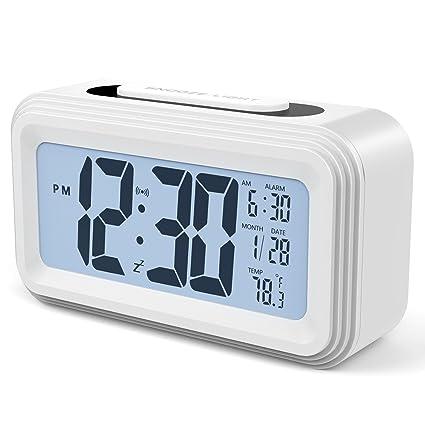 Annsky Despertador Digital, LCD Pantalla Reloj Alarma Inteligente Simple y con Pantalla de Fecha y Temperatura Función Despertador, función Snooze y ...