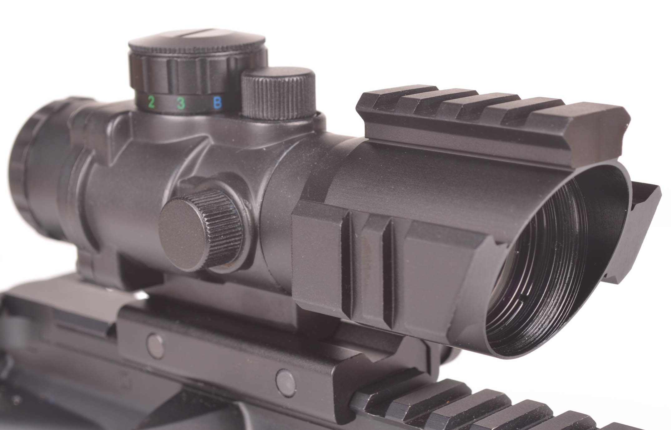 OZARK ARMAMENT 4X Magnified Optic with Illuminated BDC Reticle - Rifle Scope by OZARK ARMAMENT