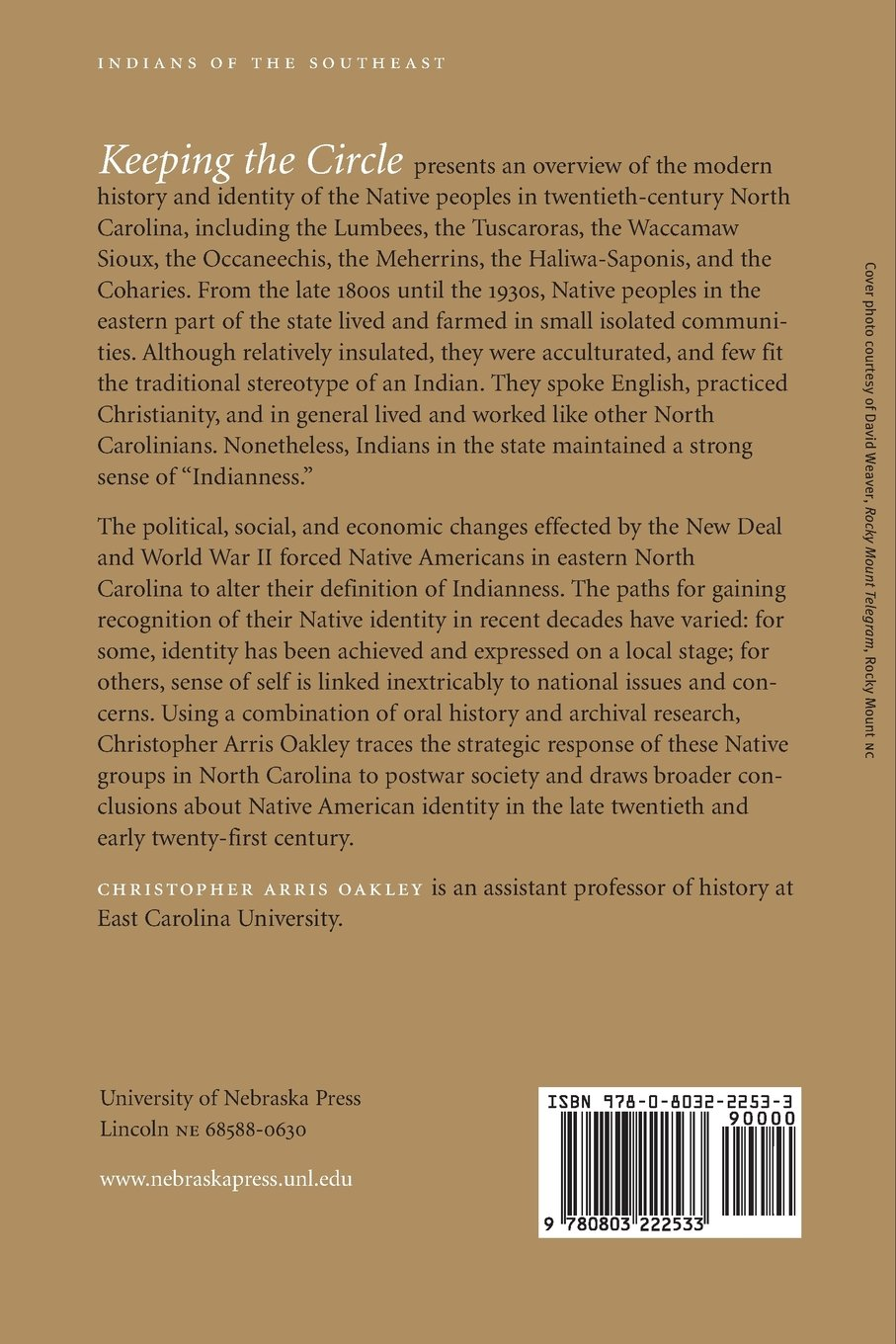 Keeping the circle american indian identity in eastern north keeping the circle american indian identity in eastern north carolina 1885 2004 indians of the southeast christopher arris oakley 9780803222533 fandeluxe Image collections