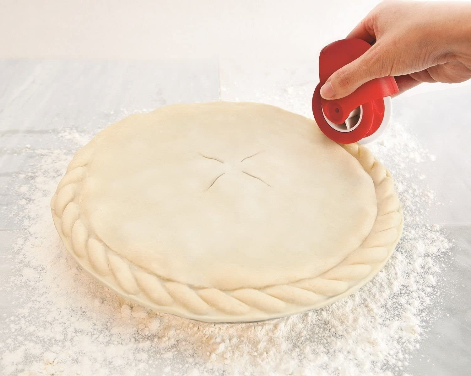 Pastry Wheel Cutter Decorator and Cutter Beautiful Pie Crust Pastry Wheel Pie