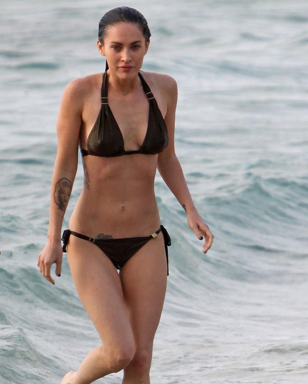 Amazon.com: Candid Bikini Shot Megan Fox A3 (297x420mm) Repositionable Peel  & Stick Poster FS690: Home & Kitchen