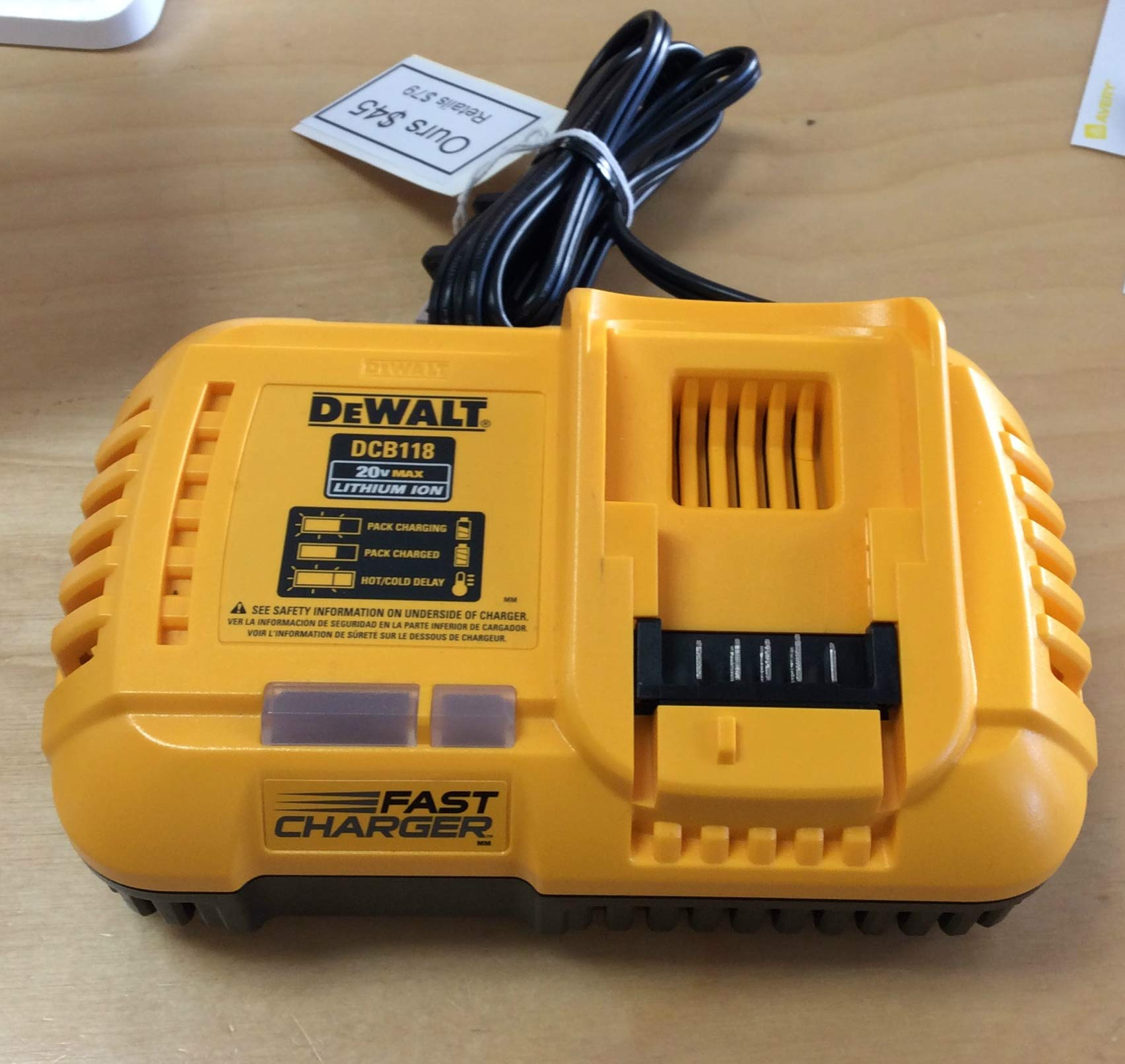 De-Walt DCB118 20V/60V Max Li-ion Flexvolt Fan Cooled Fast Battery Charger