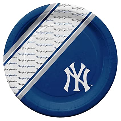 New York Yankees Major League Baseball Collection 9 Round Party Plates