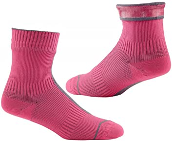Carretera calcetines Sealskinz Hydrostop impermeable de tobillo, color - Pink/Charcoal, tamaño Small