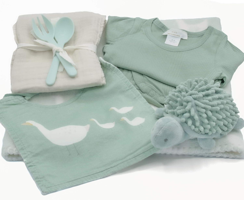 Canastilla bebe recien nacido - Regalos Bebes Recien Nacidos Originales - Productos marca Zara Home de calidad y diseño en verde menta. Cesta regalo bebe recien nacido niña y niño.