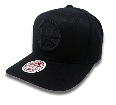 Amazon.com  Mitchell   Ness Golden State Warriors Peak Flexfit Hat (All  Black)  Sports   Outdoors 41cd0fcacab