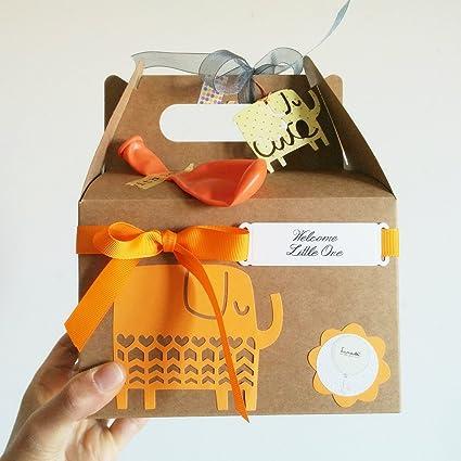 Cajita Regalo para Recién Nacidos con Cupcake (Babero TOMMEE TIPPEE + Calcetines en Algodón)