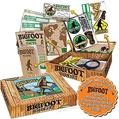 "Archie McPhee Accoutrements Bigfoot Sasquatch Outdoor Research Kit Novelty Gift, Multicolored, 7"" x 5"" x 1-1/2"": Toys & Games"