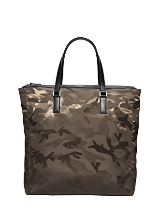 789094ca42e1b3 Michael Kors Men`s Kent Large Camouflage Nylon Tote (Army, One Size)
