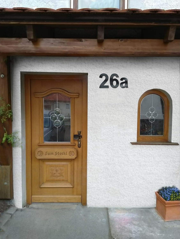 Número de casa Metzler en RAL 7016/antracita – extra fuerte 4 mm grosor de material – Arial/Bauhaus / Times New Roman – tamaños disponibles en cm 10 / 15 / 20 / 30 / 40 / ...: Amazon.es: Bricolaje y herramientas