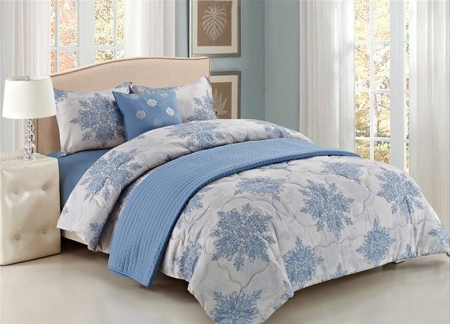 5-Piece Set: Luxury Bedding Ensemble with Comforter and Quilted Bedspread - King Blue