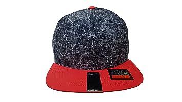 2c8e1bd4d86 Amazon.com  Nike Men`s Commuter Snapback Cap  Sports   Outdoors