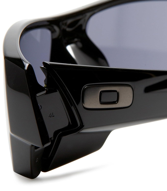 02a146f551 Oakley UV Protected Rectangular Men s Sunglasses - (0OO901403-47160 ...