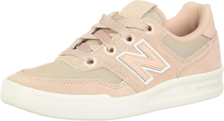 Poder adverbio espina  Amazon.com | New Balance Women's 300 V2 Court Sneaker | Fashion Sneakers