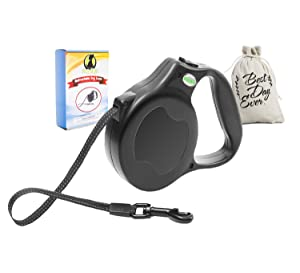 Retractable dog leash with 3 books and a carry bag