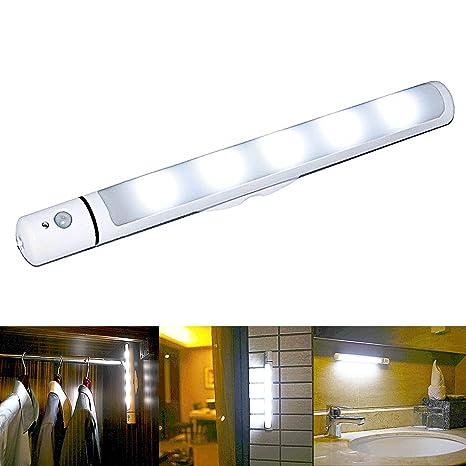Ipuis armario de LED luz, sensor de movimiento luz nocturna funciona con pilas con tira