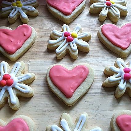 Amazon Com Ann Clark Cookie Cutters Daisy Cookie Cutter 3 Kitchen Dining