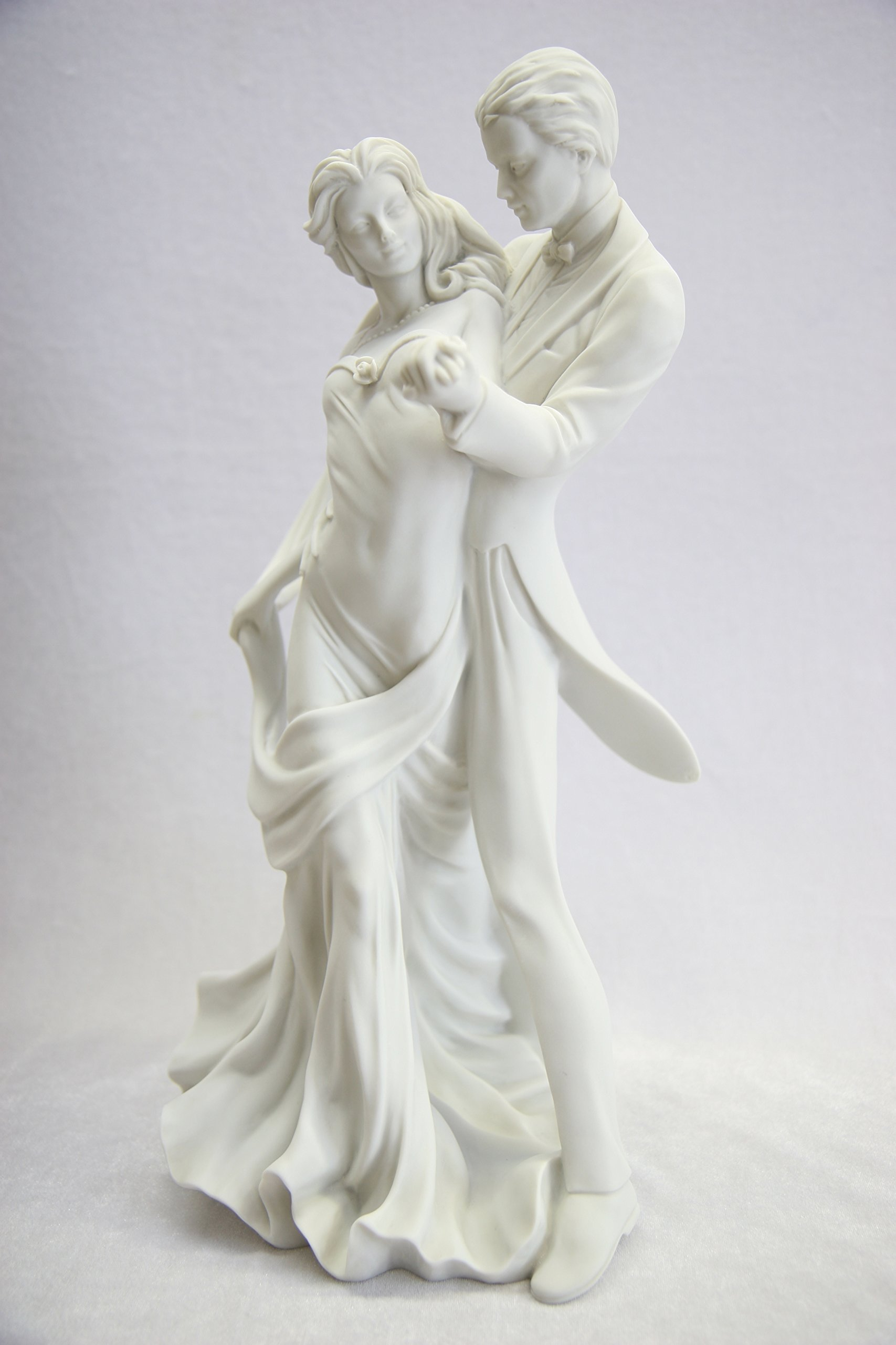 15.5'' Romantic Couple of Dancer Dance Statue Sculpture Figurine By Vittoria Collection Made in Italy by Vittoria Collection (Image #3)