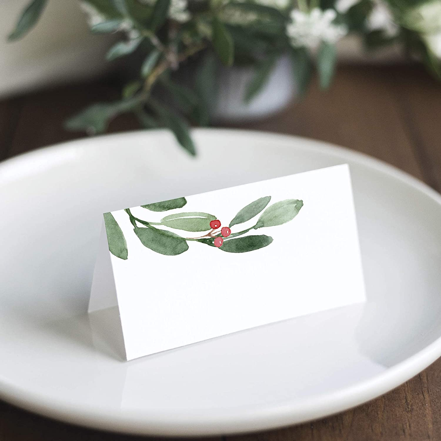 Bliss Collections Greenery Holiday Place Cards for Christmas Party, Wedding or special winter event! Seating Place Cards for Tables, Scored for Easy Folding, 50 Pack, 2 x 3.5 Inches: Kitchen & Dining