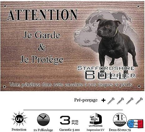 Pets Easy Com Panneau Attention Au Chien Personnalisee Staffie Noir Pre Perforee Et Vis Livrees De 30 Cm A 15 Cm Amazon Fr Animalerie
