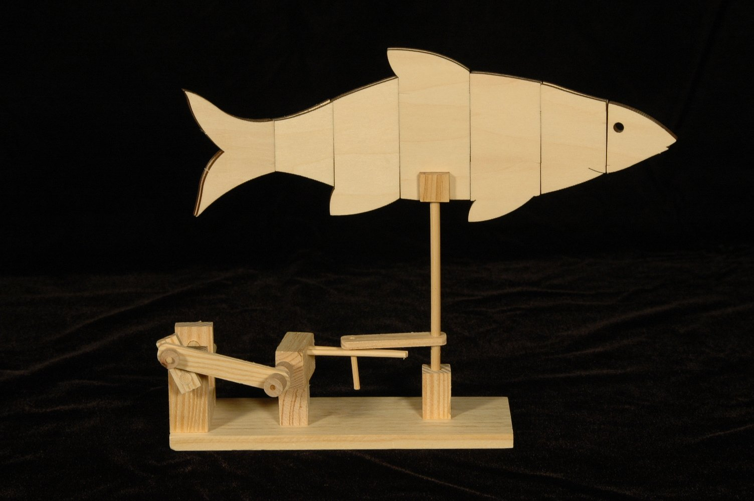 Mechanical Kits Swimming Fish