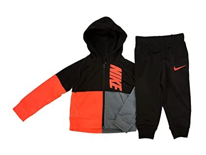 6cff463576ab Amazon.com  Nike Boy s Futura Tricot Jacket and Pants Set  Sports ...