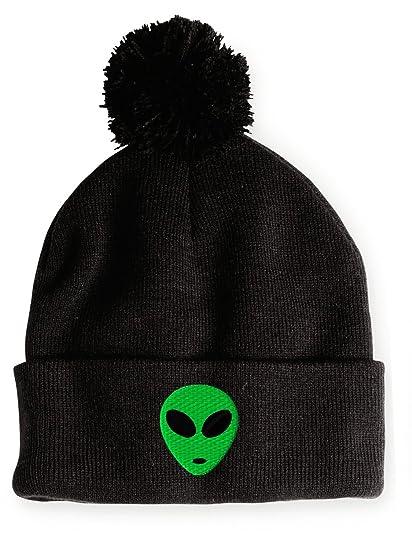 83ee68967e6 Amazon.com  GREEN-ALIEN-Pom Pom Black  Clothing