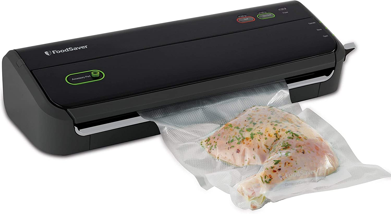 FoodSaver FM2000 Vacuum Sealer Machine with Starter Bags & Rolls | Safety Certified | Black - FM2000-FFP