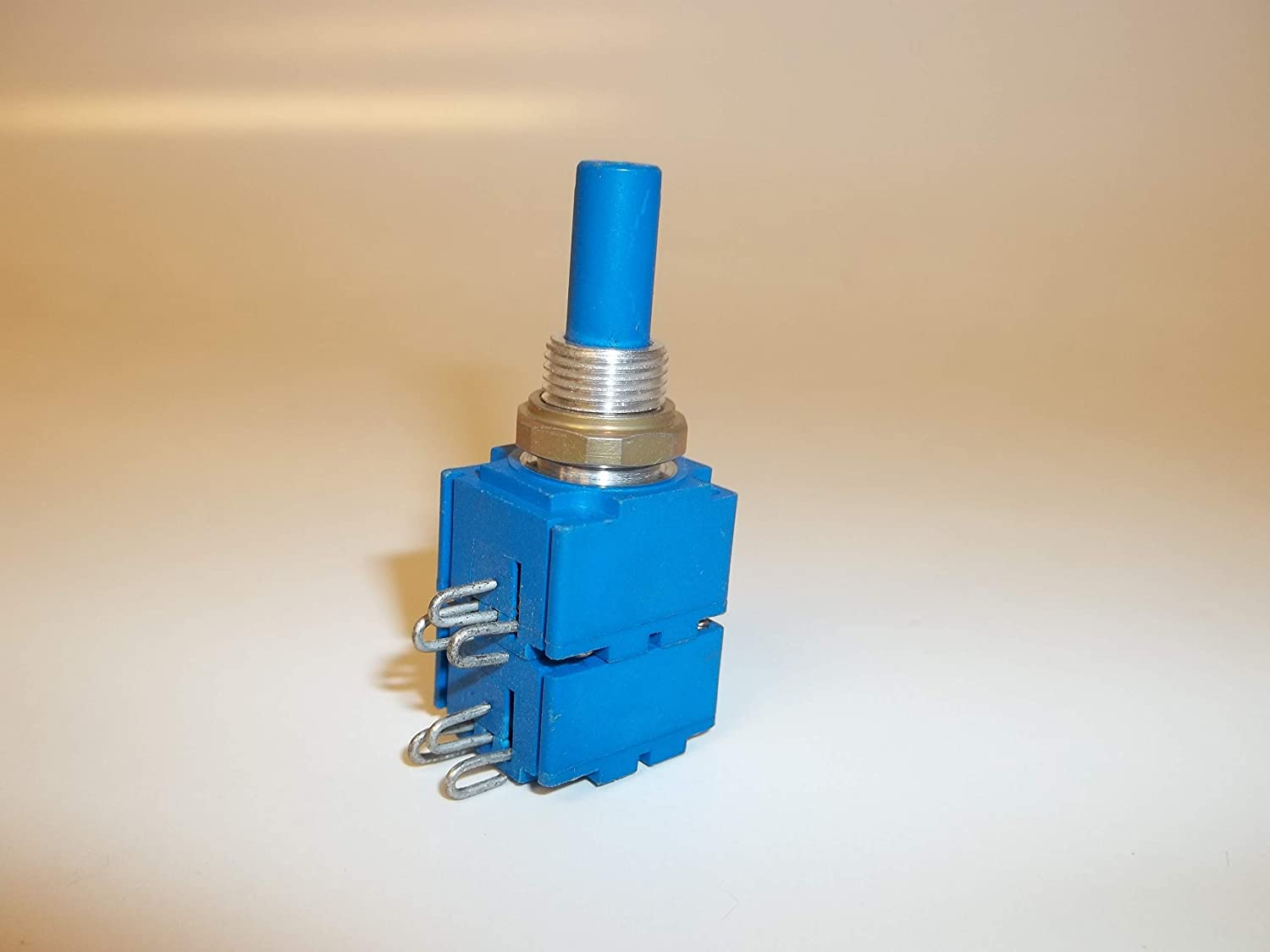 Details about  /CTS 10K Potentiometer Model # WG15628 Two Brand New Pots 10K Ohms