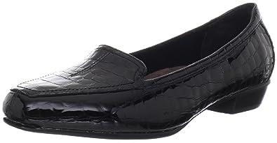 022b16240 Clarks Women s Timeless Loafer