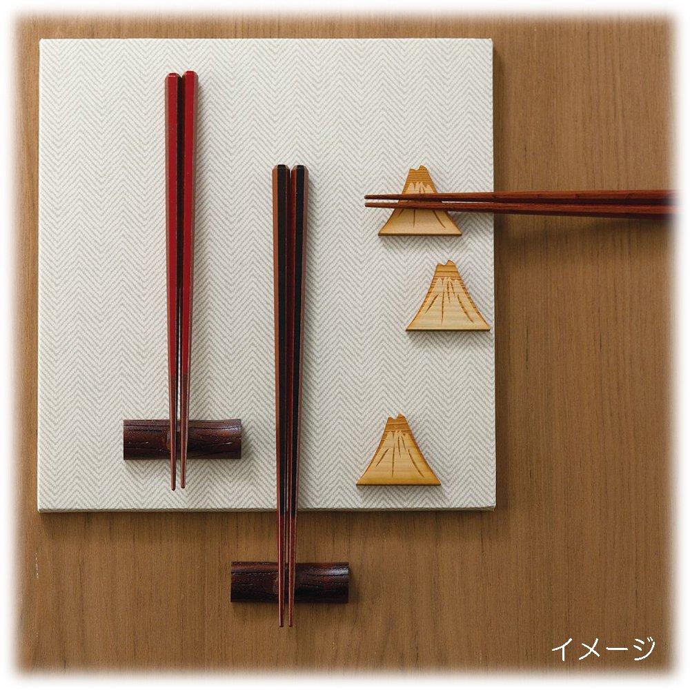 箸置きのある夫婦箸