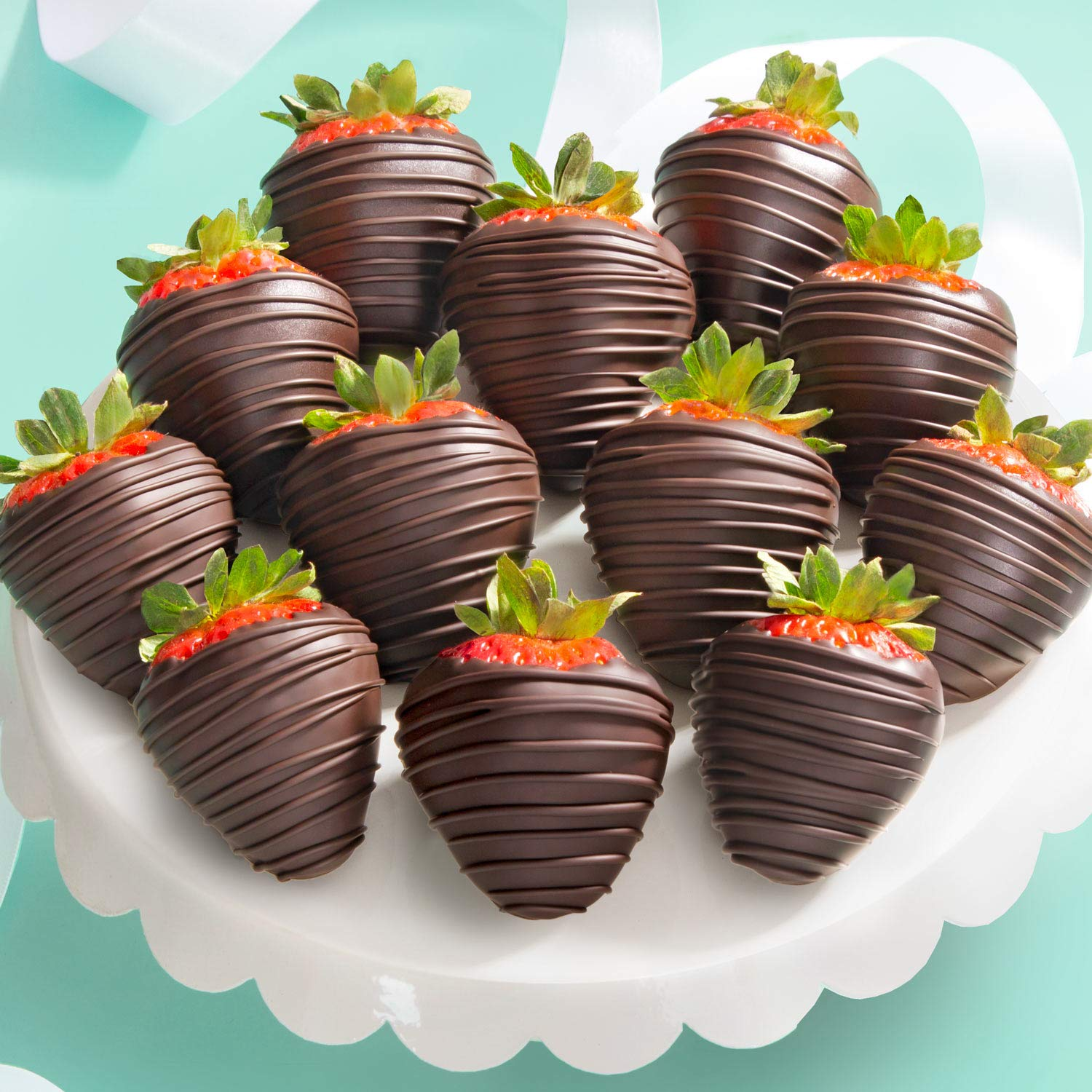 Amazon Com 12 Dreamy Dark Chocolate Covered Strawberries Gourmet Fruit Gifts Grocery Gourmet Food