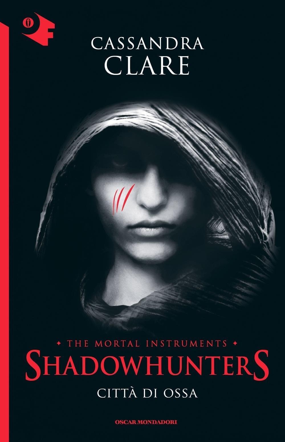 Amazon: Citt� Di Ossa Shadowhunters: 1  Cassandra Clare, F Paracchini   Libri