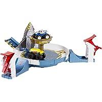 Hot Wheels Monster Trucks Mecha Köpek Balığı Çarpışması Oyun Seti, 2 Adet Araç Dahil FYK14