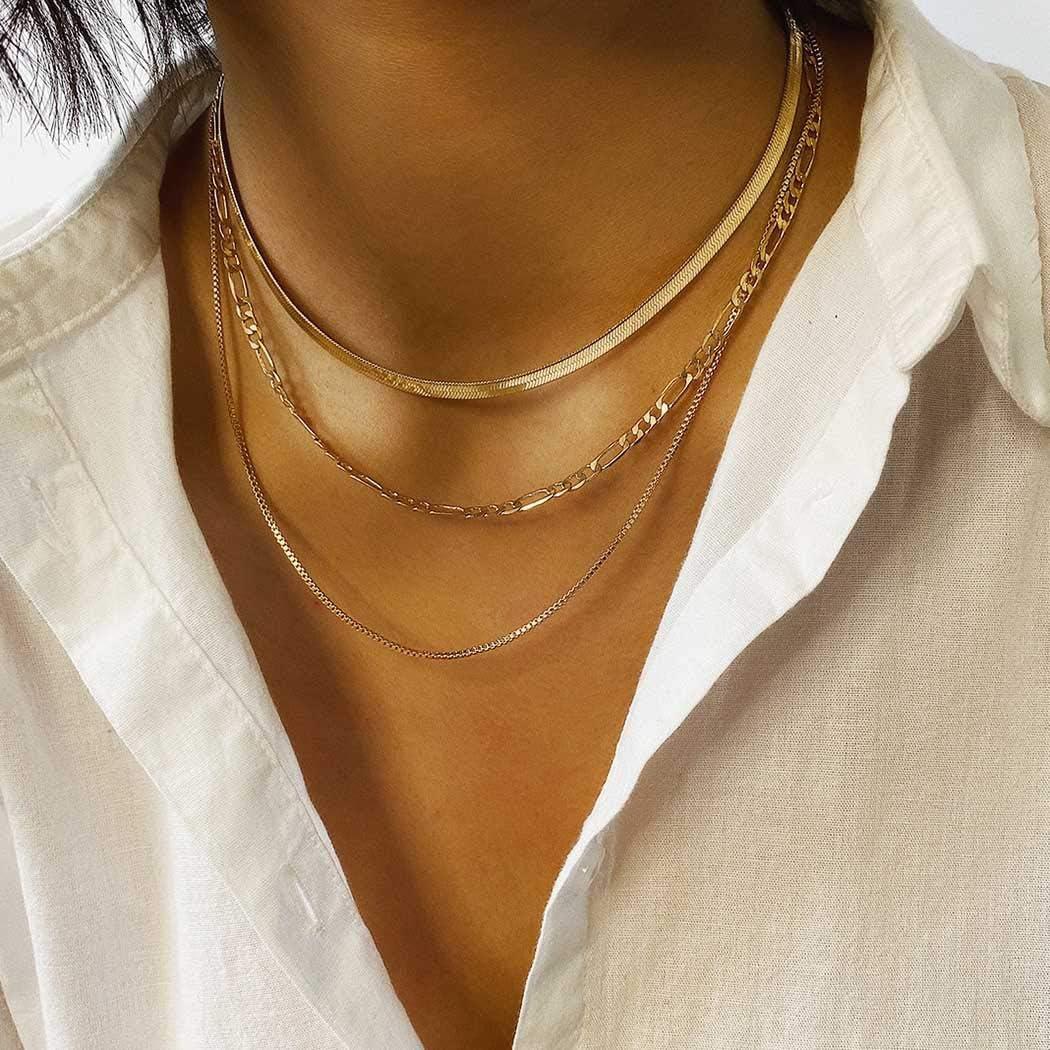 Minimalist chain necklace
