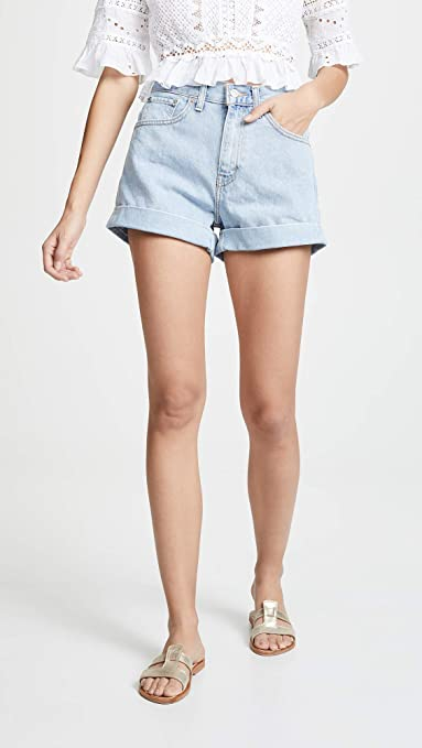 77144867bf Levi's Women's Mom Shorts at Amazon Women's Clothing store: