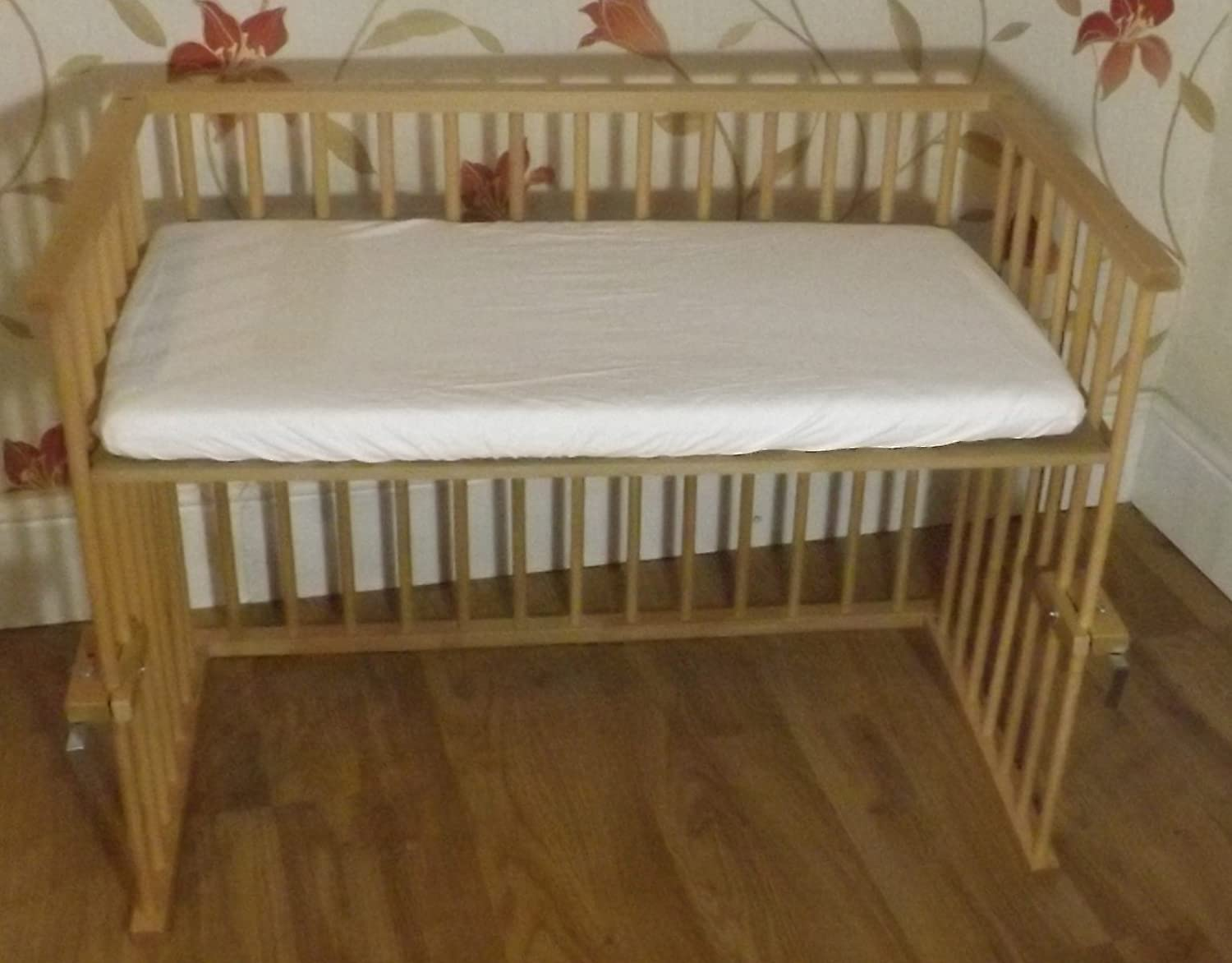 New Baby Beech Next to Mum Bedside crib, Next to Bed, Side by Side Crib, Cot With Deluxe Breathable Mattress Different Position / Space Saver Cot a b c