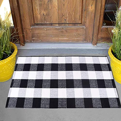 Carvapet Buffalo Plaid Rugs Black and White Check Rug Welcome Door Mat Washable Throw Entry Way Mat