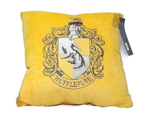 Primark Harry Potter Gryffindor Slytherin Ravenclaw Hufflepuff - Cojines de terciopelo, Yellow - Hufflepuff, 45 CM X 45 CM