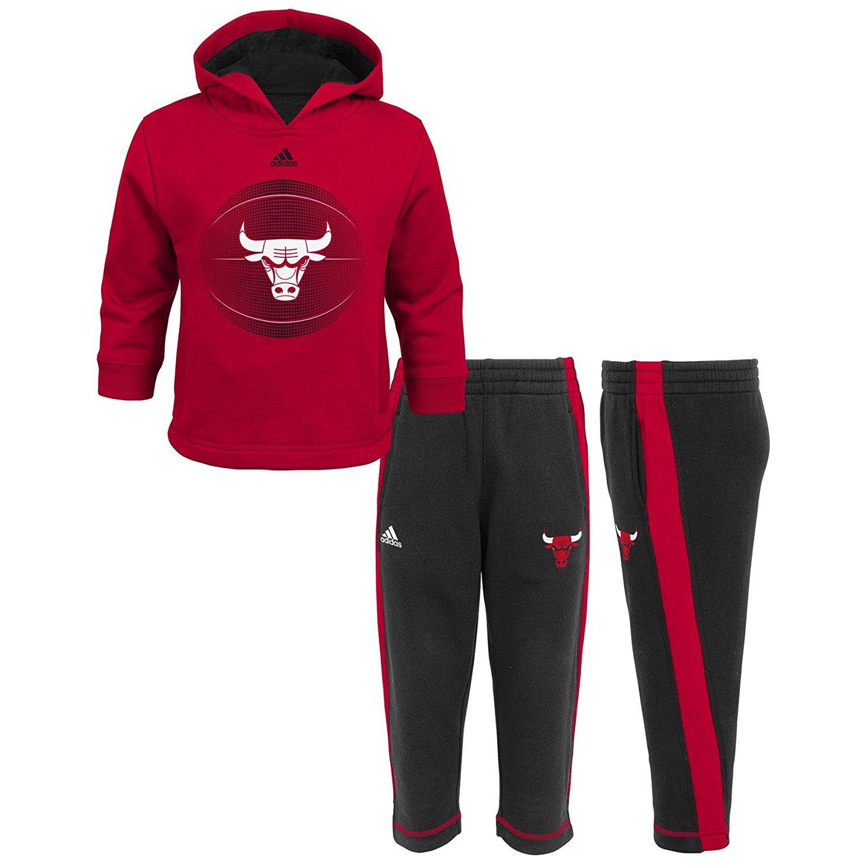 258aa6dda2b8 Amazon.com  Chicago Bulls Adidas Kids Red Classic Fan fleece Set (Kids 7)   Clothing