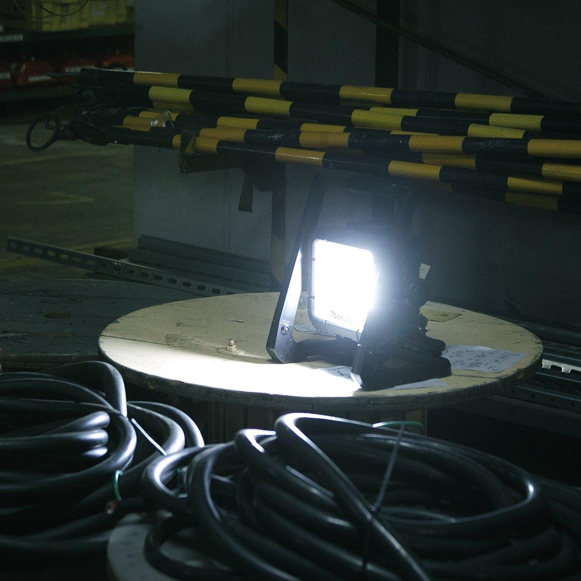 Image de scène Projecteurs de construction