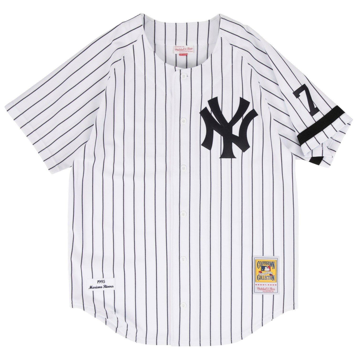 Amazon.com   Mitchell   Ness Mariano Rivera New York Yankees MLB Men s  White 1995 Authentic Throwback Home Jersey   Sports   Outdoors 4465dfac909